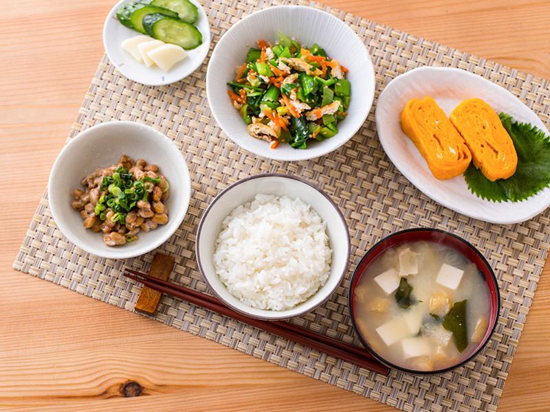 食事-しっかり食べて 身体と脳に栄養を